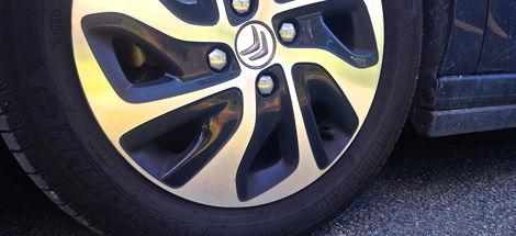 Vérifications extérieures : les pneumatiques