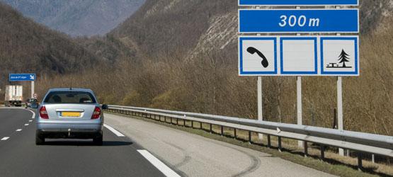Panneaux d'indication de services